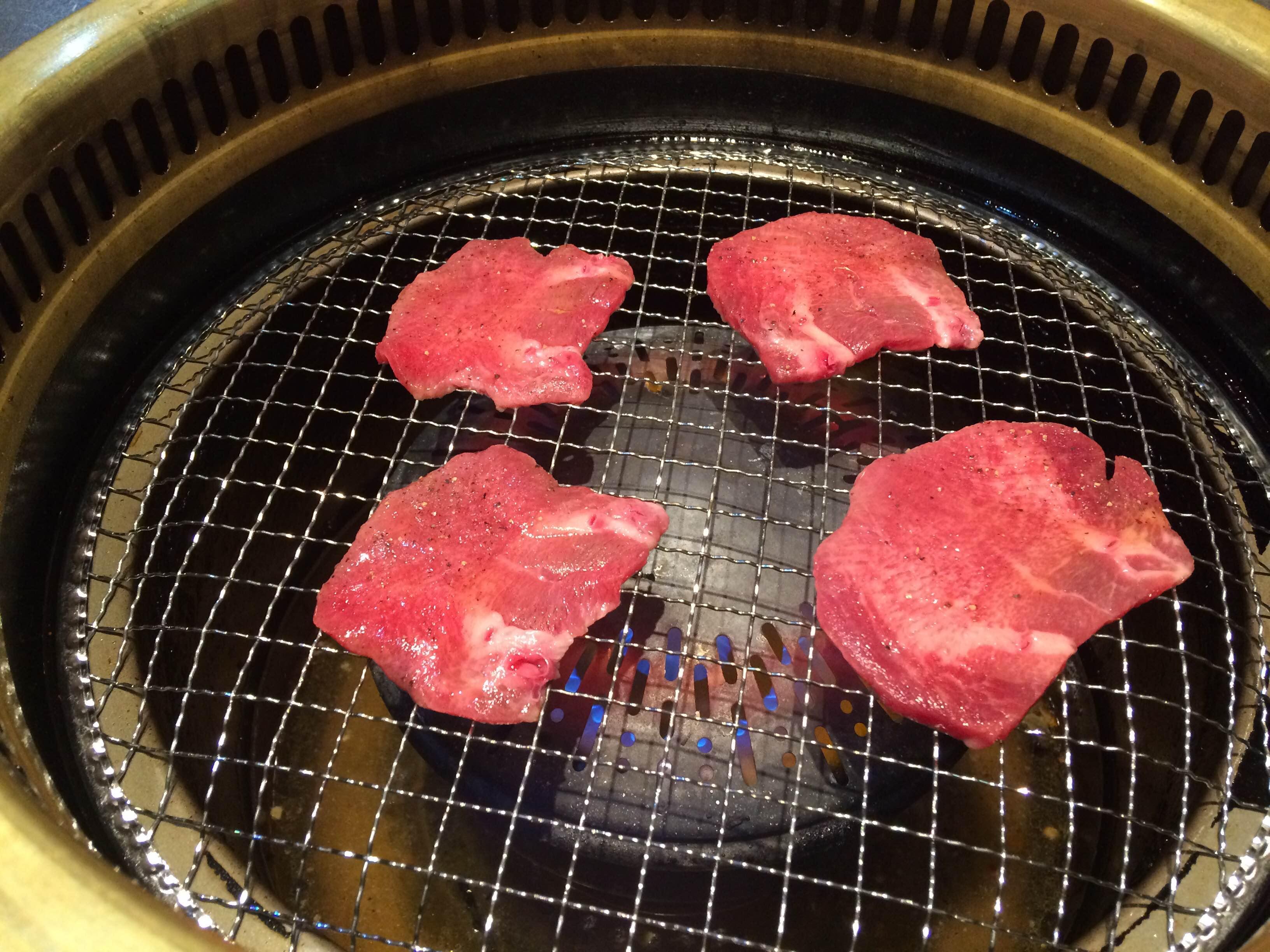 宮原の焼き肉やさんで食べるタン塩