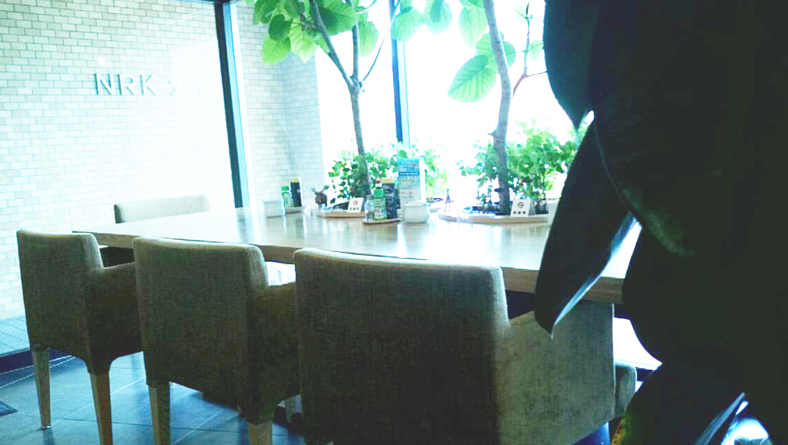 大宮 cafe EST  席