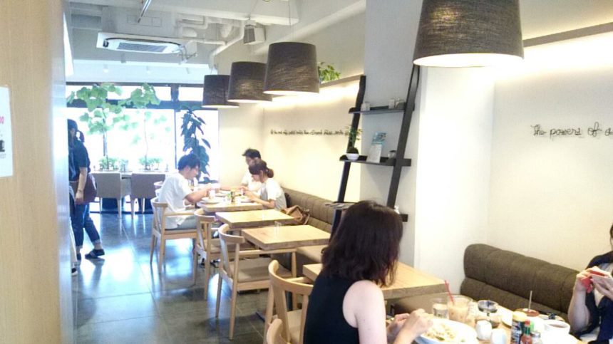大宮 cafe EST 店内