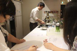 キッチンスペースで韓国料理イベント
