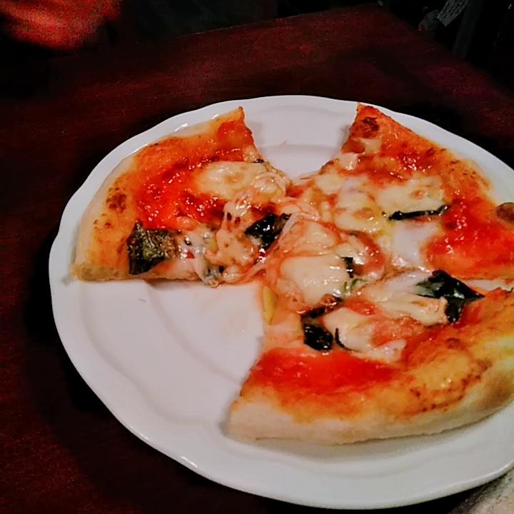 ディアボラ大宮店のピザ